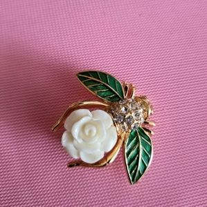 Rare vintage Joan Rivers white gardenia bee pin -